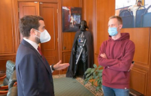 """В ОПУ объяснили скандал с медицинскими масками, оказавшимися в """"Эпицентре"""": """"Все очень просто"""""""