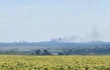 """""""С самого утра """"птичка"""" прилетела"""", - появились кадры дымящейся техники врага под Донецком"""