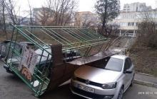 Украину накрыл погодный апокалипсис: уже трое погибших, колоссальные разрушения, у людей поломаны ноги и руки - фото