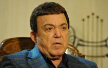 """Кобзона """"повесили"""" в оккупированном Донецке: громкие подробности и кадры"""