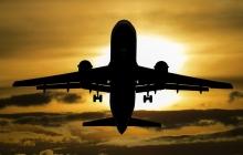 Пассажир из РФ захватил самолет Сургут - Москва – судно летит в сторону Афганистана: СМИ