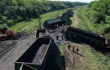 Железнодорожная катастрофа под Одессой: поезд вылетел с рельсов, 14 вагонов разбросаны вдоль колеи