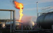 """В Казани прогремел взрыв на станции """"Газпрома"""": огромный факел не могут потушить, в городе введен режим ЧС"""