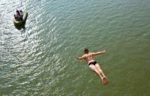 Шокирующая смерть словенского спортсмена: очевидцы сняли последний прыжок Андрея Беюца (кадры)