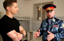 Журналист АВС Лонгман признался в Чечне под страхом смерти, что он гей: кадры