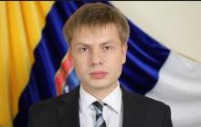 Нардеп Гончаренко появился на заседании ПАСЕ в резиновых перчатках – журналистка из РФ попыталась его спровоцировать