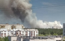 На Донбассе не могут несколько часов потушить мощный пожар в лесу: очевидцы показали первые кадры ЧП