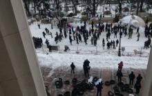 К палаточному городку сторонников Саакашвили стянули спецназ и технику: активисты заявили о готовящемся  штурме - все подробности и кадры