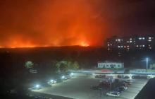 Пожар подобрался к Северодонецку: на окраине города горят дачи, жители - на чемоданах