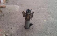Снаряды в асфальте и выбитые окна: очевидцы показали новые кадры разрушений вблизи Ични