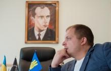 """Градоначальник Конотопа Семенихин """"пал жертвой заговора"""" депутатов. Он заявляет о перевороте"""