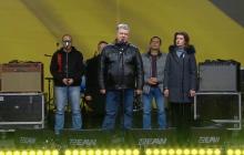 """Видео, как Порошенко рукоплескал весь Майдан за бескомпромиссную речь: """"Услышьте!"""""""