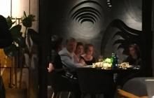 """""""Исчезнувшего"""" из поля зрения СМИ Порошенко заметили в одном из ресторанов Киева - фото"""