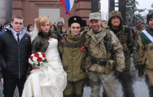 """Фейковый брак под """"флагами"""" боевиков: стало известно, сколько стоит сыграть свадьбу в Донецке и Луганске, - кадры"""