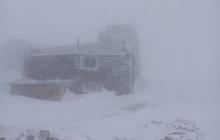 На Западной Украине мощный снегопад и метель: выпало уже 15 см снега, в Карпатах морозы