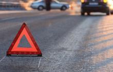 В центре Донецка серьезное ДТП: авто вылетело на тротуар – есть пострадавшие