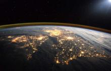 Вокруг Земли астрономы нашли цепочку неизвестных объектов, катастрофа уже здесь