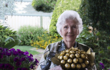 """90-летняя женщина дала мудрый совет молодым девушкам о жизни: """"Не допустите этого"""""""