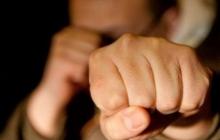 """Забрали оружие и накостыляли """"защитникам"""": жители оккупированного Новоазовска проучили """"ихтамнетов"""""""
