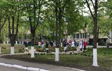 В Одесской области простились с умершим от COVID-19 врачом - весь персонал клиники вышел на похороны