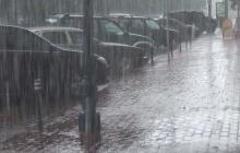 Сильнейшие ливни, град, шквальный ветер и паводки: важное предупреждение о непогоде в регионах Украины