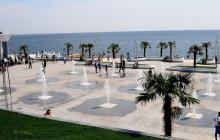 """В Одессе на пляже """"Ланжерон"""" девушка устроила """"обнаженные приключения"""""""