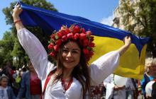 День Государственного флага: как звезды Потап и Настя Каменских, Вакарчук и другие поздравили украинцев