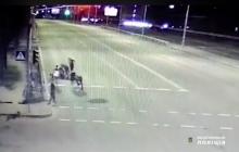 В Киеве компания жестоко избила полицейского из-за замечания: нападение попало на видео