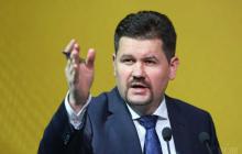 Порошенко: заявление Зеленского о приглашении войск агрессора в Украину недопустимо – подробности