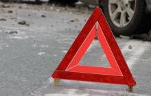 После ДТП пьяный водитель уснул в деревьях: Chevrolet насмерть сбил женщину на тротуаре в Киеве - пугающие кадры
