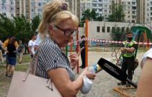 """""""Зал и спальня ушли вниз"""", - жительница многоэтажки в Киеве рассказала, как с сыном чудом спаслись при взрыве"""