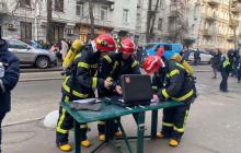 В Киеве горит здание Минкульта Украины - 30 пожарных и 10 единиц техники спасают людей