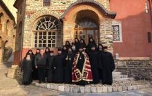 """ПЦУ фактически признали в """"сердце православия"""": архиереи украинской церкви отслужили литургии на горе Афон – кадры"""