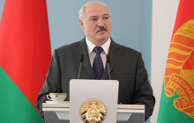 """Лукашенко высказался о проблемах России: """"Мы были правы, а они теперь пытаются выкарабкаться"""""""