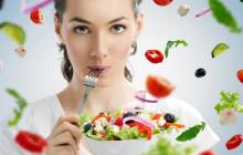 Найдена лучшая женская диета: помогает не только похудеть