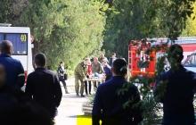 В Керчи начали расчищать место массового убийства, вывозя изувеченные трупы, около 10 жертв не могут опознать