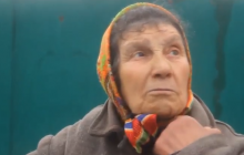 Бабушка из Еленовки об ужасах пережитого обстрела: 'Cтрашно было выходить. У соседа с крыши человеческие останки снимали'