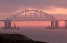 Долго не простоит: Кремль внезапно отменил электрификацию Крымского моста