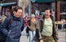 Китайцы съели все одуванчики в российском поселке: местные жители не понимают, что происходит