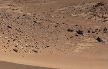 Исследователи Марса удивили: на Красной планете Curiosity обнаружил яйцевидный метеорит из никеля и железа