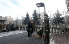 """Порошенко: """"Дай Бог собраться в мирный день в Донецком аэропорту и хотя бы на секунду понять, через что прошли наши герои-киборги"""""""