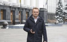 Садового хотят судить за призыв обменять Медведчука на пленных украинцев: что происходит