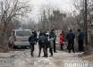 На матери и дочери не было живого места: в Житомире посреди двора лежали тела погибших женщин – фото