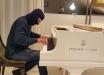 Боец ВСУ сразил виртуозной игрой на рояле: мощные кадры с Героем стали хитом Сети - видео