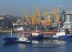 В порту под Одессой прямо под открытым небом лежат тонны аммиачной селитры