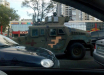 К захваченному мосту в Киеве подъехали БТРы, снайперы занимают позиции - все начинается: кадры