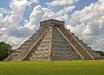 """""""Предзнаменование апокалипсиса"""" в Мексике: во время шествия у пирамиды произошло нечто странное - видео"""