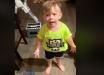 Мир умилило видео с реакцией 2-летнего мальчика - мама забыла его поцеловать