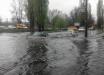 """В Киеве """"вселенский потоп"""" после мощного ливня: машины утопают, ситуация будет ухудшаться"""
