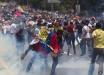 Число погибших и раненых в Венесуэле растет: жители страны борются против диктатора Мадуро – кадры